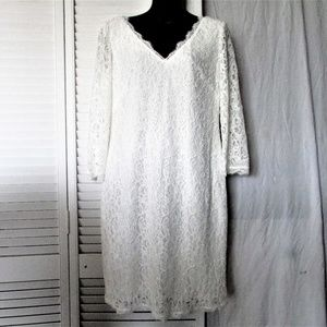 Adrianna Papell cream lace dress size 10